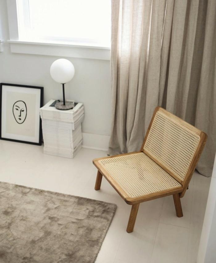 minimalistisch wohnen ein Stuhl von Kovac Familie