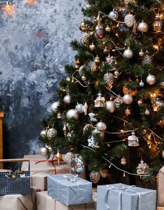 Artificial christmas tree like real