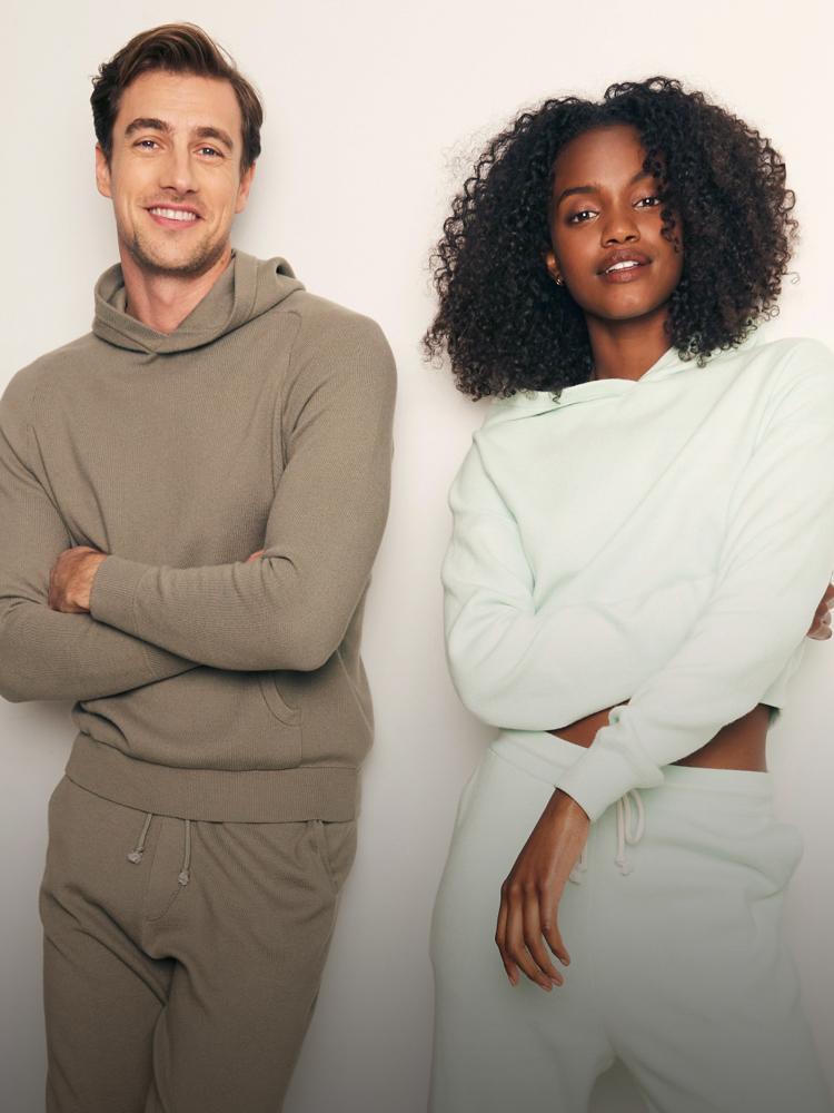 Naadam Outfits aus Bio Cashmere-Wolle und nachhaltiges Cashmere